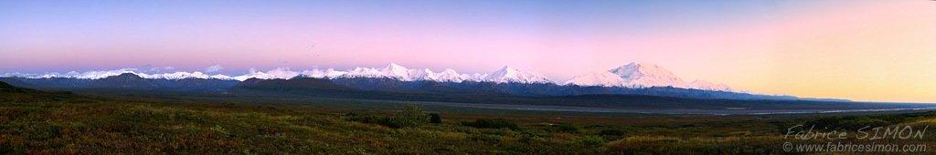 Alaska range (environ 80 km)