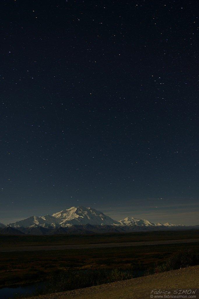 Mt McKinley sous les étoiles